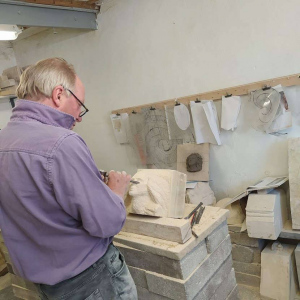 Bath-stone-head-being-carved-on-a-3-day-coursw